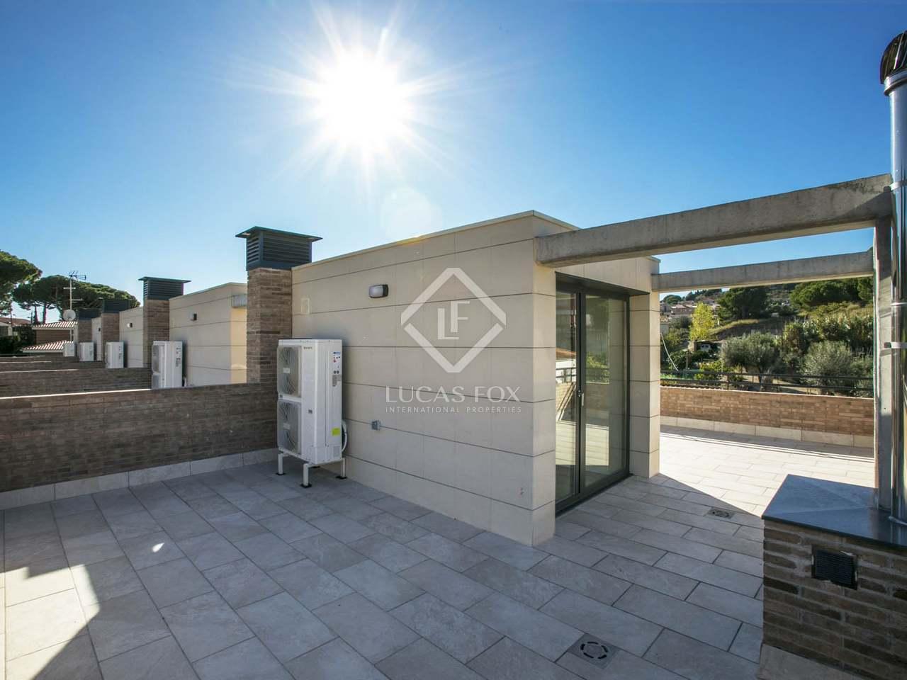 Casa adosada de 178m con 87m de terrazas en venta en tiana - Obra nueva tiana ...