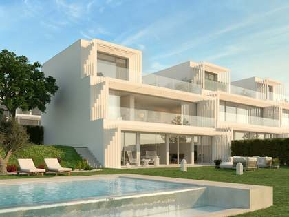 217m² house with 41m² garden for sale in Sotogrande
