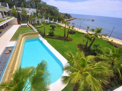 Exklusivt bostadsområde till salu vid stranden i Estepona