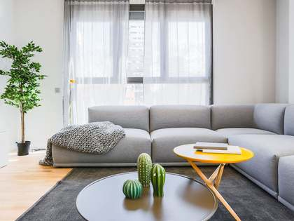 97m² Apartment with 12m² terrace for sale in Sants