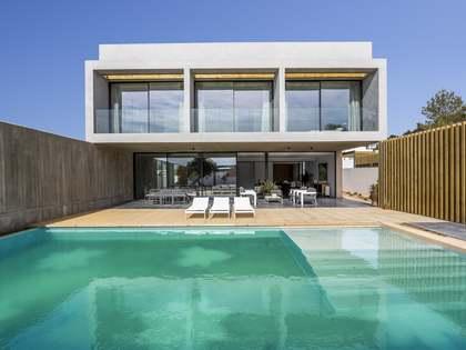 Huis / Villa van 362m² te koop met 453m² Tuin in San José