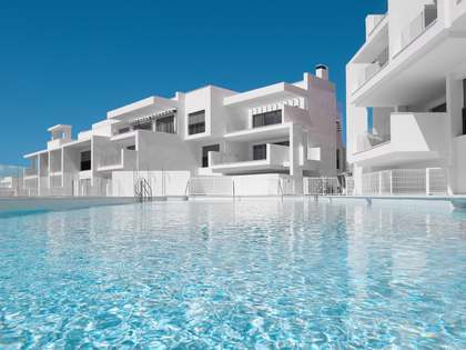 180m² Apartment with 30m² terrace for sale in Estepona