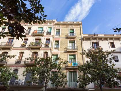 96 m² apartment with balconies for sale in Gracia