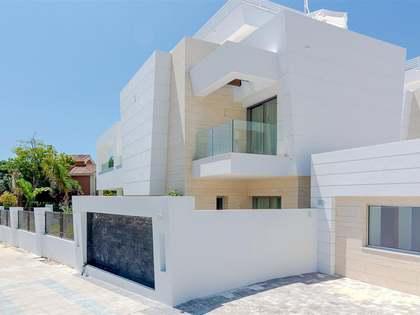 Maison / Villa de 290m² a vendre à San Pedro de Alcántara / Guadalmina avec 69m² terrasse