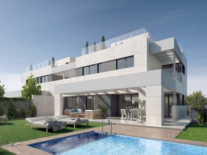 372m² House / Villa with 339m² garden for sale in Aravaca