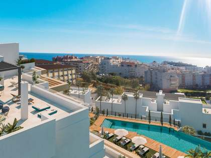 150 m² apartment with 75 m² terrace for sale in Estepona