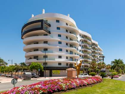 91m² Apartment with 16m² terrace for sale in Estepona