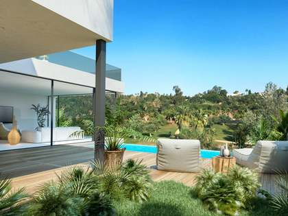 503m² House / Villa with 242m² garden for sale in Estepona