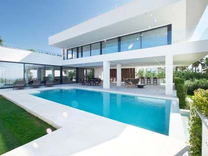 New development with 5-bedroom villas for sale in Benahavis