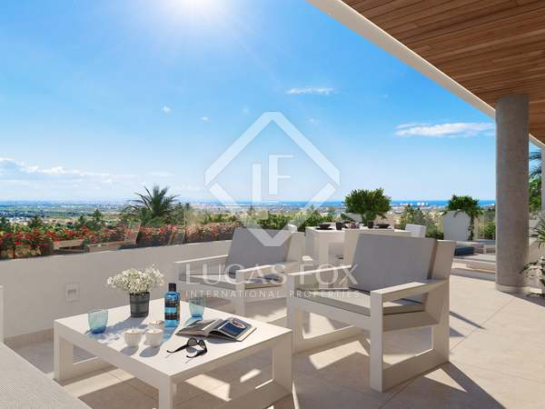 216m² Penthouse with 185m² terrace for sale in Los Monasterios