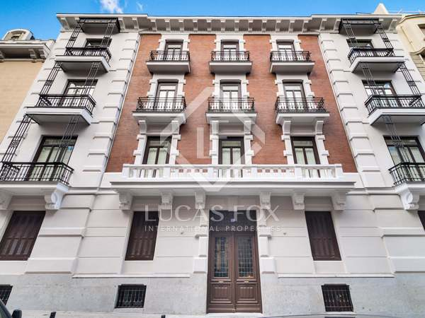 314m² Apartment with 12m² terrace for sale in Almagro