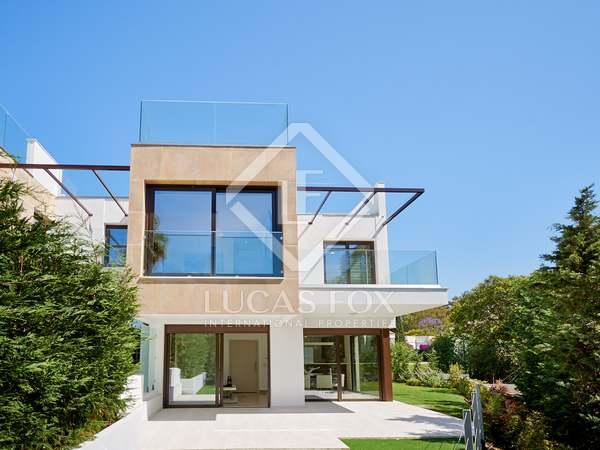 Casa / Villa de 223m² con 59m² terraza en venta en Nueva Andalucía