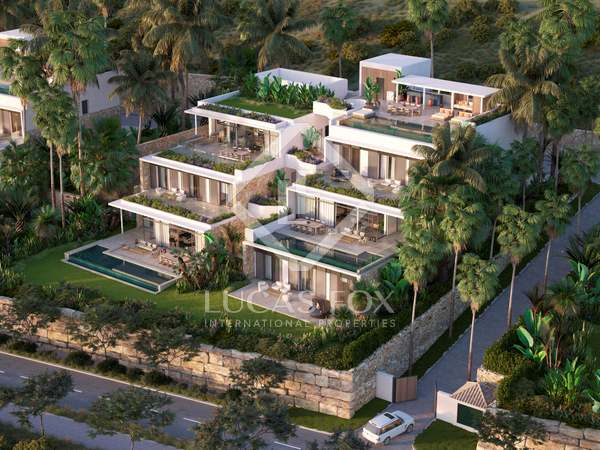 282m² Apartment with 330m² garden for sale in Estepona