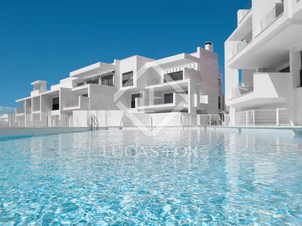 202m² Penthouse for sale in Estepona, Costa del Sol