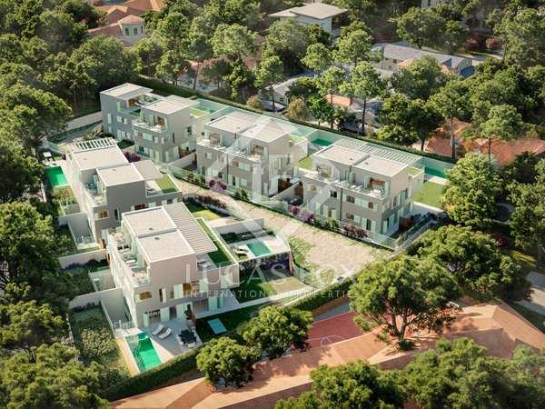405m² house / villa with 300m² garden for sale in Aravaca