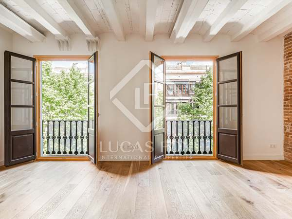 103m² Apartment with 9m² balcony for sale in Eixample Right