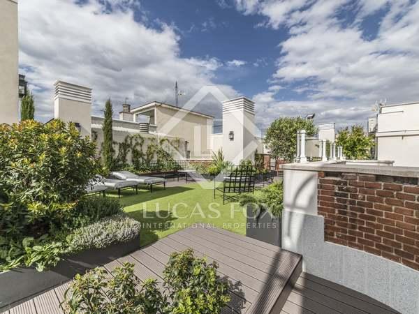 Penthouse van 273m² te koop met 35m² terras in Castellana