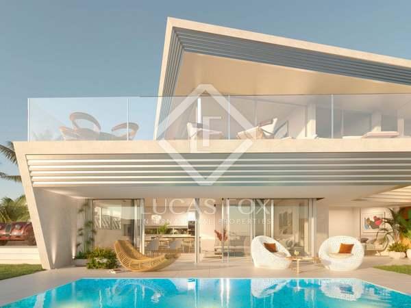 Huis / Villa van 151m² te koop met 38m² Tuin in Mijas