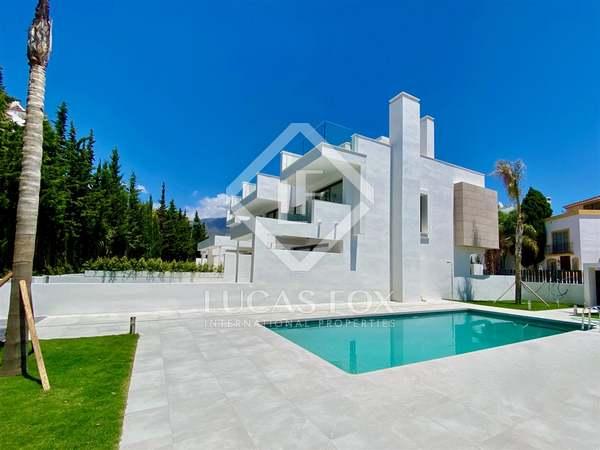 Villa de 422 m² con 32 m² de jardín en venta en Estepona