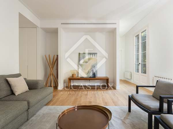 153m² Penthouse with 24m² terrace for sale in Eixample Right