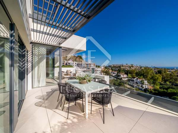133m² Apartment with 47m² terrace for sale in Benahavís
