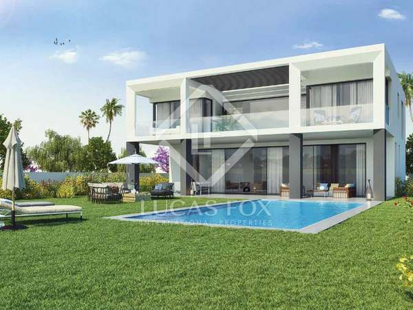388m² House / Villa with 49m² terrace for sale in Puerto Banús