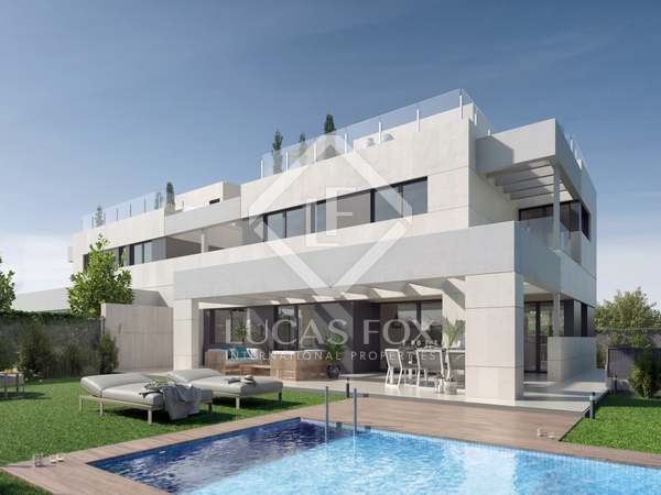 410m² House / Villa with 280m² garden for sale in Aravaca