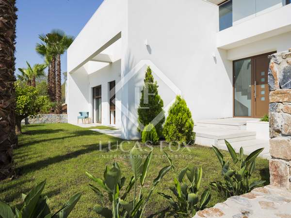 130m² House / Villa with 62m² terrace for sale in Alicante ciudad