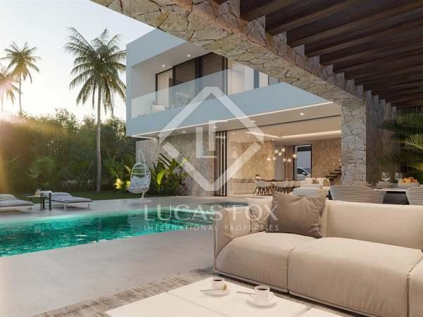 646m² House / Villa with 243m² terrace for sale in San Pedro de Alcántara / Guadalmina