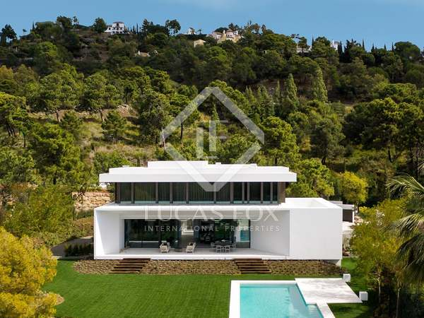 854 m² luxury villa for sale in Benahavís