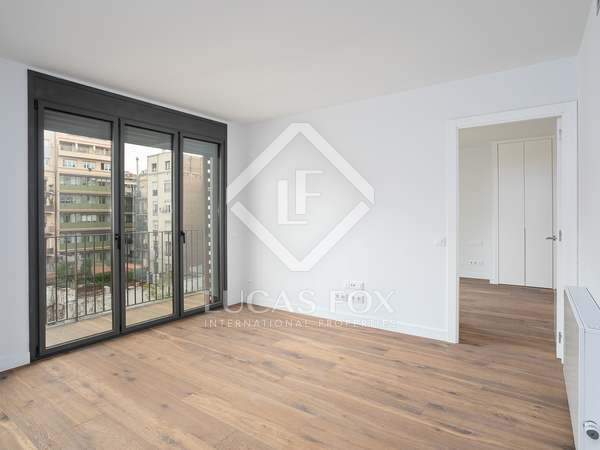 87m² Apartment with 6m² terrace for sale in Eixample Left