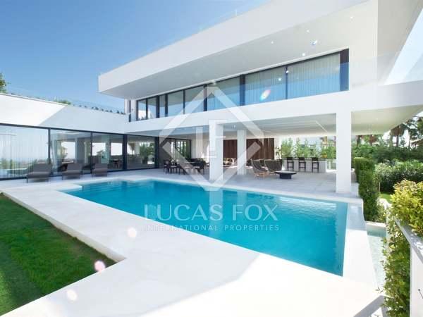 New development with 5-bedroom villas for sale in Benahavis