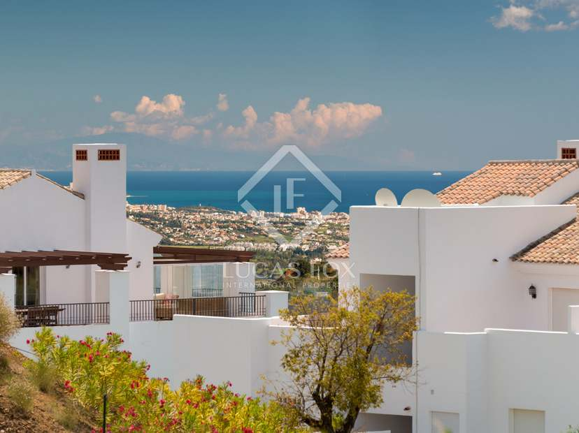 Large apartments of 2 and 3 beds in a peaceful location.