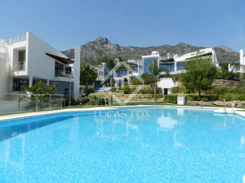 Luxury apartments and town houses for sale in Sierra Blanca