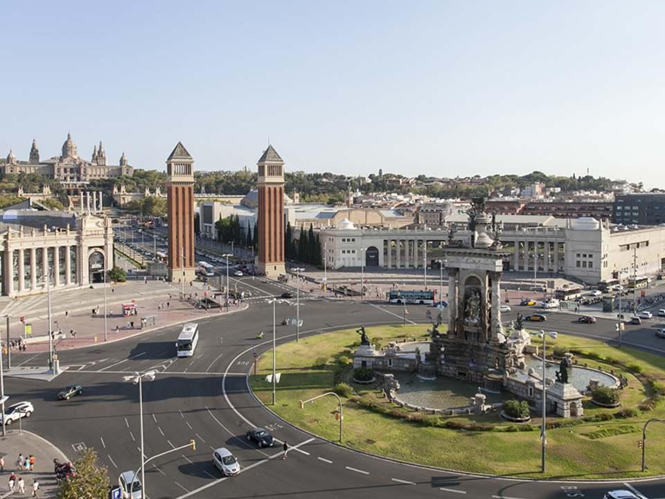 Viviendas en venta y en alquiler en Sant Antoni, Barcelona - Lucas Fox