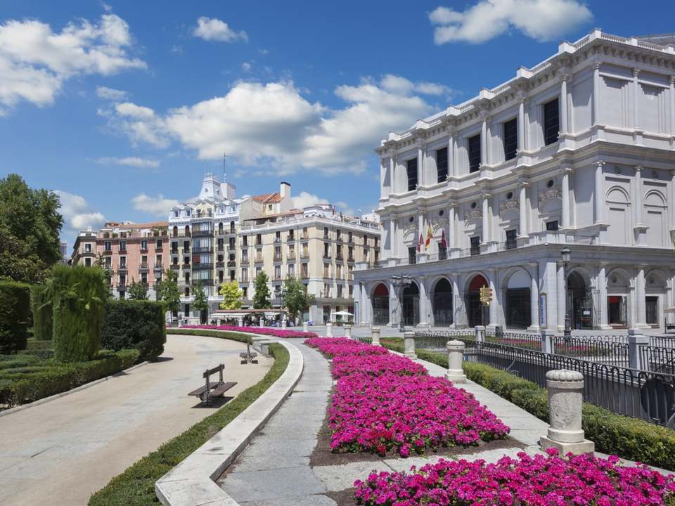 Properties for sale and rent in Palacio, Madrid - Lucas Fox