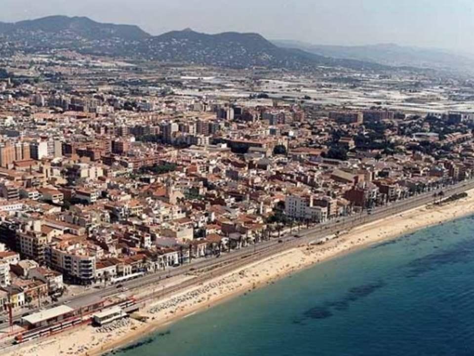 Premia de mar property for sale and rent for Piscina premia de mar