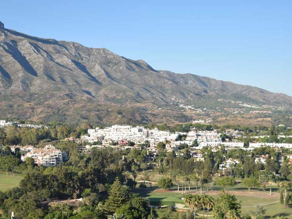Casas, villas y pisos en venta en la Nueva Andalucía – Lucas Fox