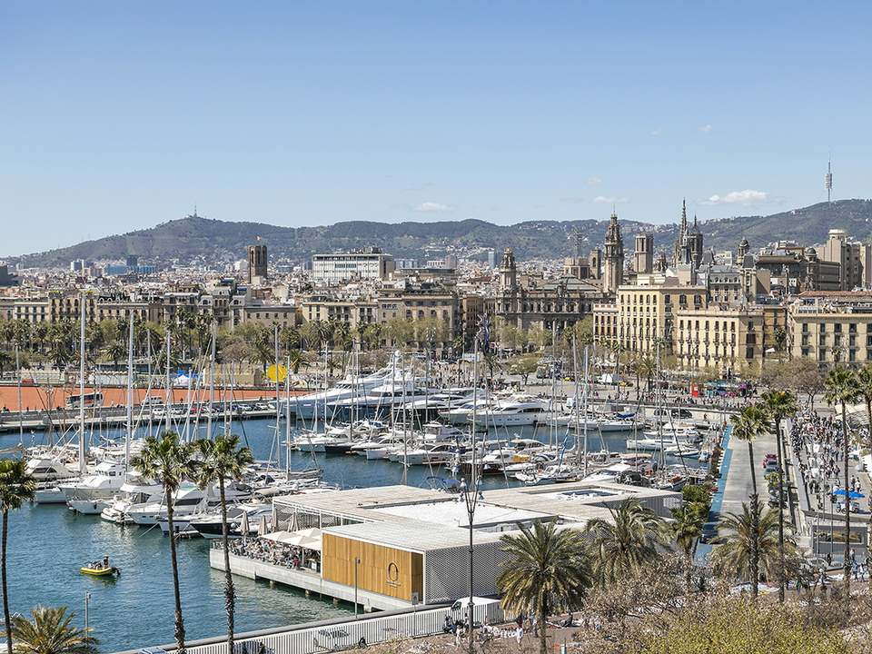 Apartments and houses for sale in Barceloneta - Lucas Fox