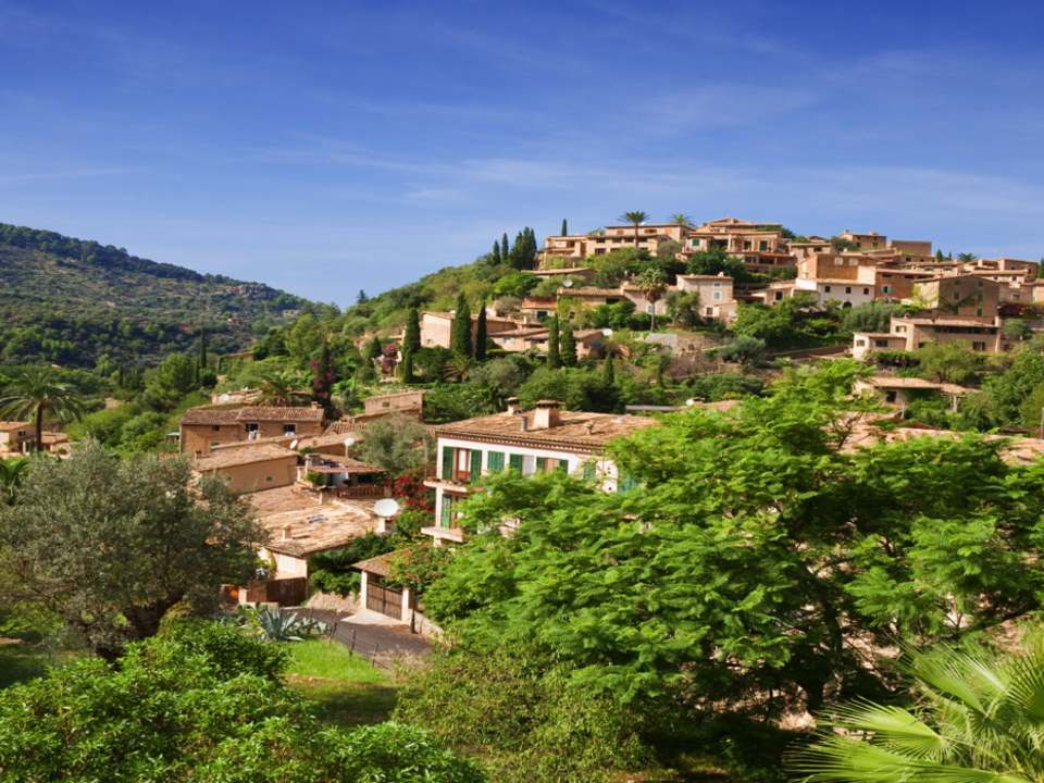 Properties in Central mallorca to buy and rent - Lucas Fox