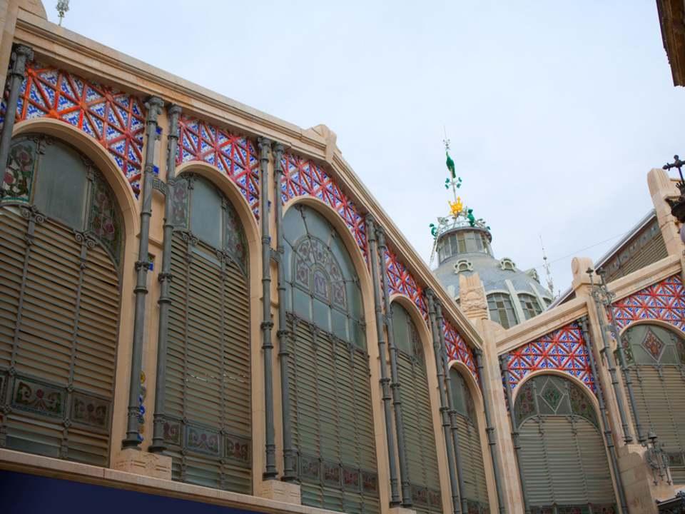 Properties in El Mercat to buy and rent - Lucas Fox