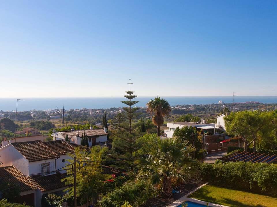 Woningen en onroerend goed te koop in Vallpineda – Lucas Fox