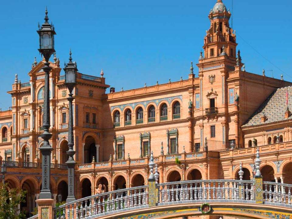 Properties in Seville to buy  and rent - Lucas Fox