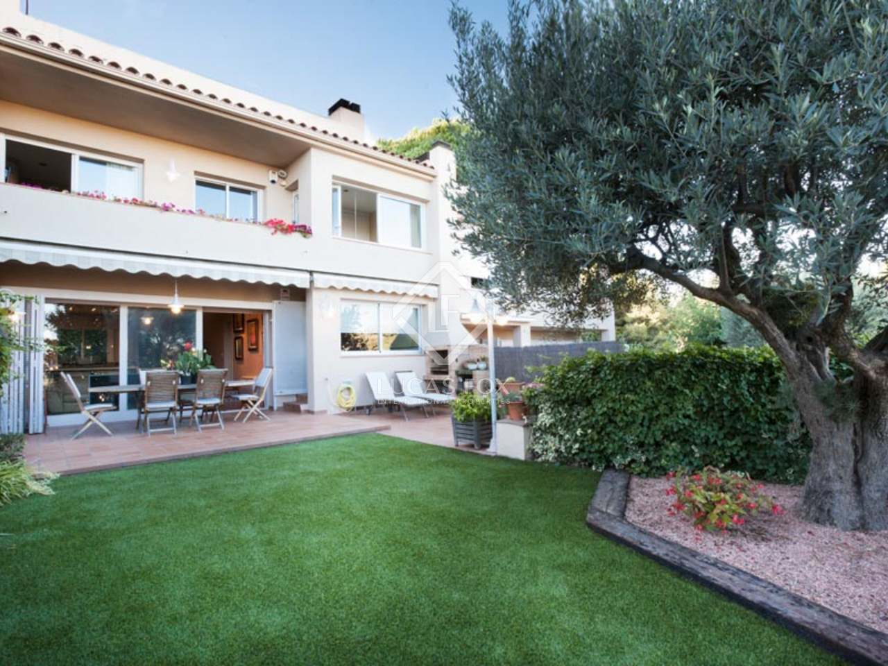 5 Bedroom Townhouse For Sale Near The Centre Of Alella