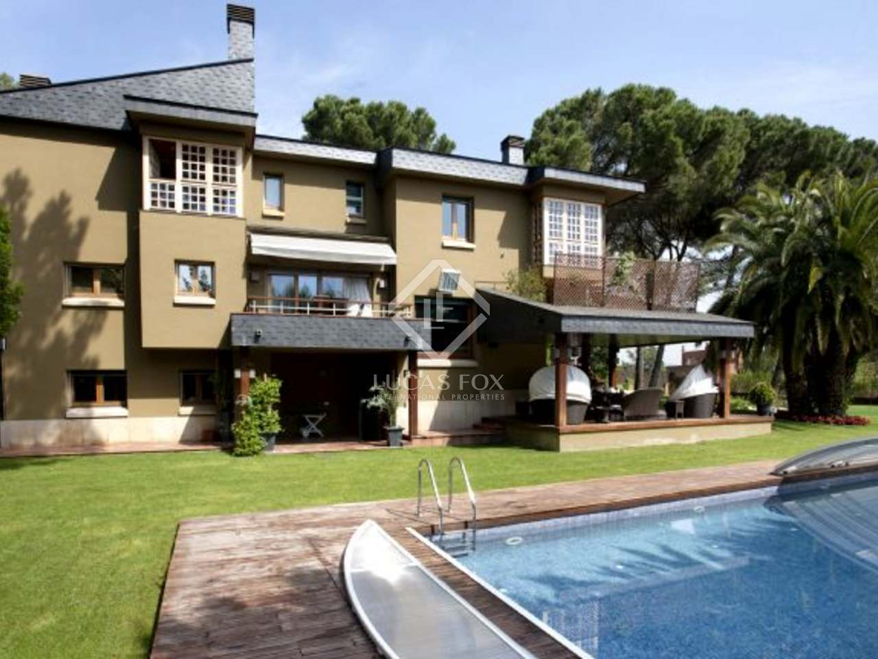 Luxury house for sale in sant cugat valldoreix barcelona for Corner 4 sant cugat