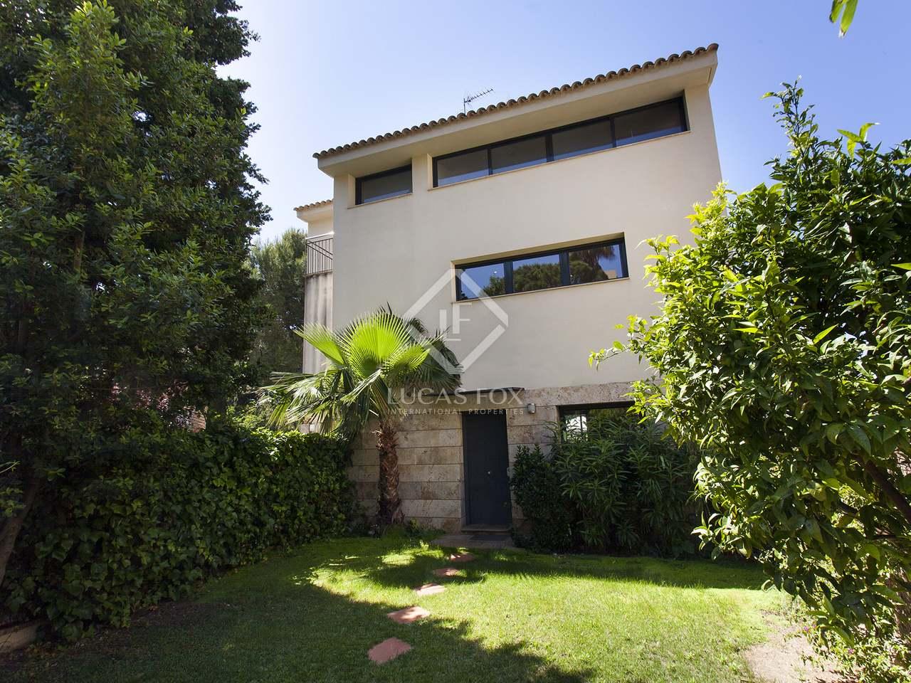 240m haus villa mit 65m garten zum verkauf in vallpineda. Black Bedroom Furniture Sets. Home Design Ideas