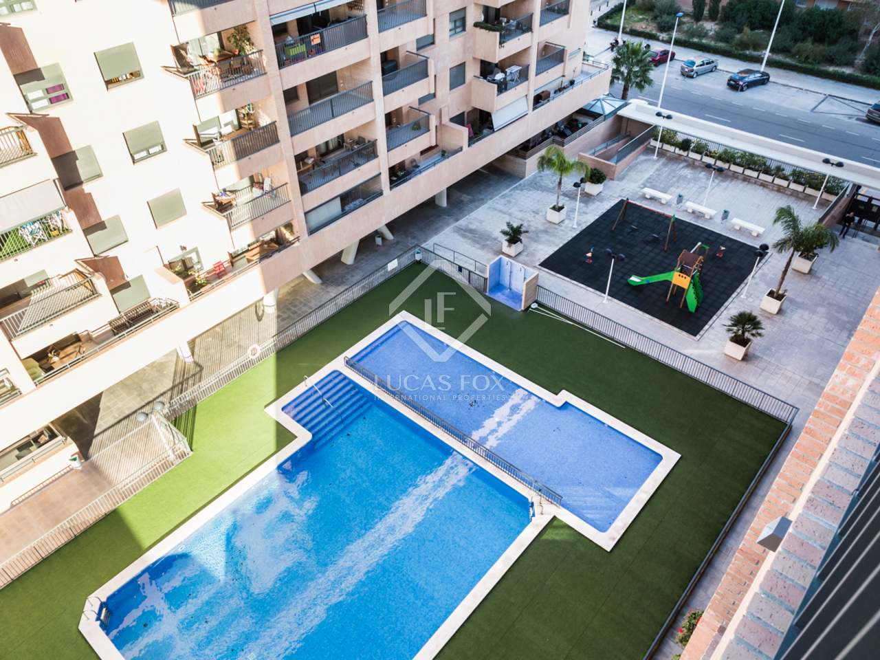 Apartamento en venta en una urbanizaci n con piscina en la for Piscina patacona