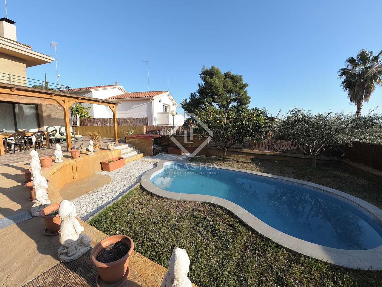 maison villa de 121m a vendre castelldefels barcelone. Black Bedroom Furniture Sets. Home Design Ideas