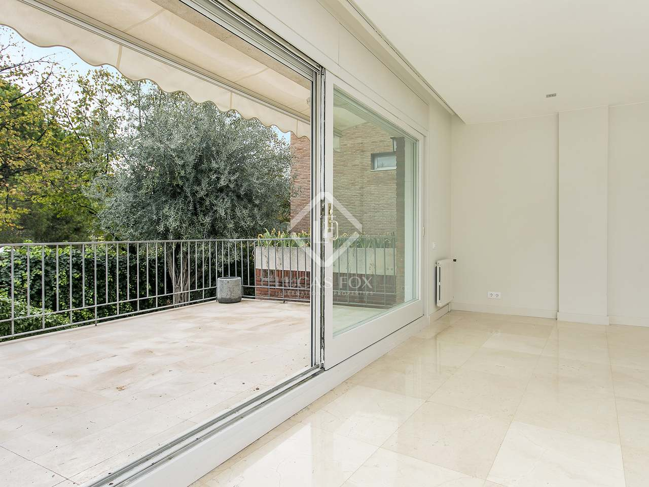Casa de 390 m con jard n en alquiler en pedralbes for Casa con jardin alquiler barcelona