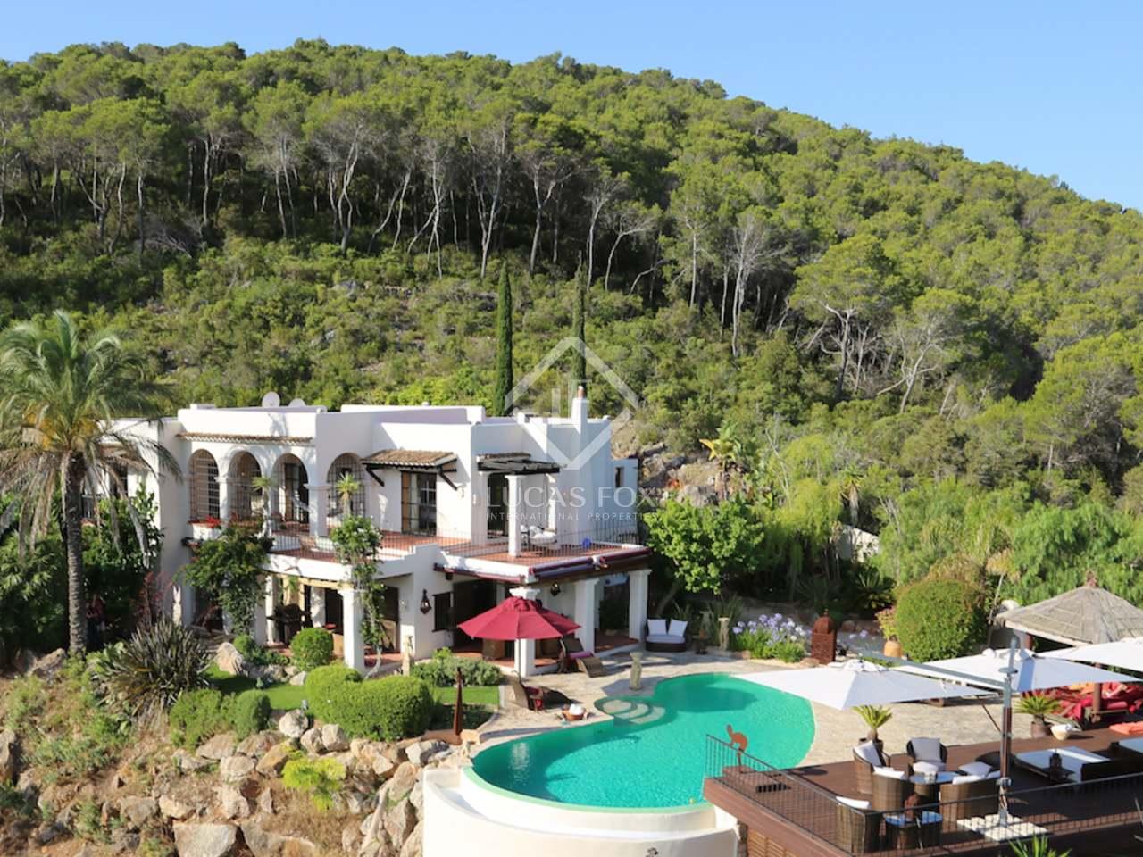 Luxuri se villa mit infinity pool zum verkauf im norden ibizas for Pool verkauf